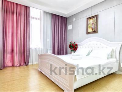 2-комнатная квартира, 75 м², 11/28 этаж посуточно, Кошкарбаева 10/1 — Тауельсиздик за 16 000 〒 в Нур-Султане (Астане)