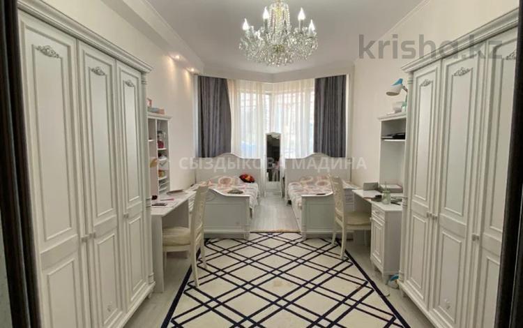 4-комнатная квартира, 152.5 м², 8/30 этаж, Аль-Фараби 7 за 95 млн 〒 в Алматы, Бостандыкский р-н