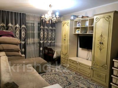 2-комнатная квартира, 55 м², 11/12 этаж, мкр Аксай-1А за 22.5 млн 〒 в Алматы, Ауэзовский р-н