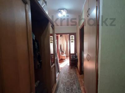 3-комнатная квартира, 55 м², 4/4 этаж, мкр №1, Шаляпина — Берегового за 20.4 млн 〒 в Алматы, Ауэзовский р-н — фото 9