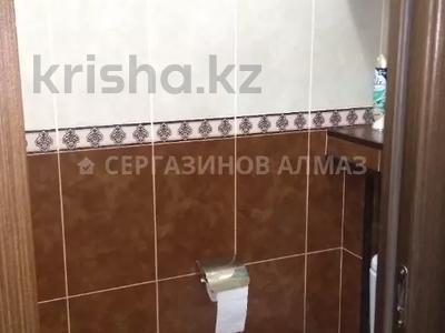 1-комнатная квартира, 42 м², 5/5 этаж, мкр Аксай-2 40 за 14 млн 〒 в Алматы, Ауэзовский р-н — фото 9
