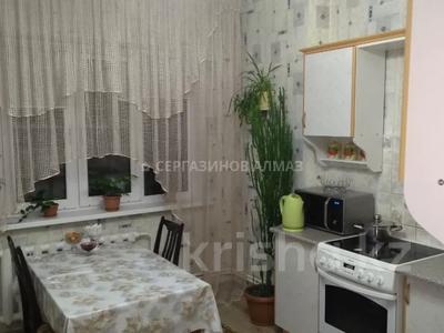 1-комнатная квартира, 42 м², 5/5 этаж, мкр Аксай-2 40 за 14 млн 〒 в Алматы, Ауэзовский р-н — фото 3