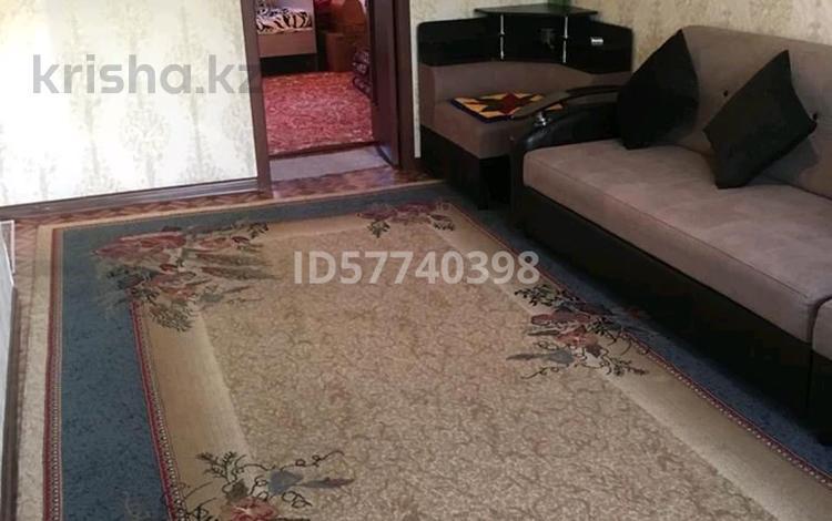 2-комнатная квартира, 46 м², 5/5 этаж, 5 микр 2 — Әл фараби за 6.5 млн 〒 в Таразе