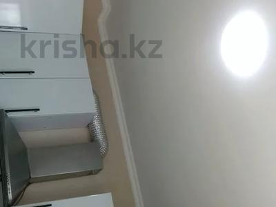 2-комнатная квартира, 60 м², 10/10 этаж, Азербаева 4 за 15 млн 〒 в Нур-Султане (Астана), Алматинский р-н — фото 11