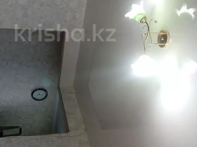 2-комнатная квартира, 60 м², 10/10 этаж, Азербаева 4 за 15 млн 〒 в Нур-Султане (Астана), Алматинский р-н — фото 14