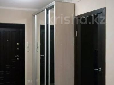 2-комнатная квартира, 60 м², 10/10 этаж, Азербаева 4 за 15 млн 〒 в Нур-Султане (Астана), Алматинский р-н — фото 2