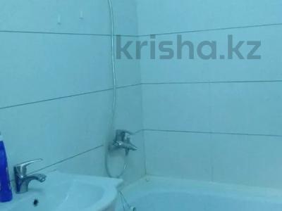 2-комнатная квартира, 60 м², 10/10 этаж, Азербаева 4 за 15 млн 〒 в Нур-Султане (Астана), Алматинский р-н — фото 8