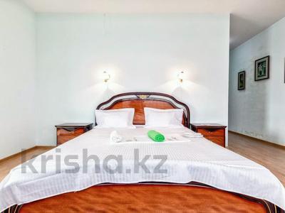 2-комнатная квартира, 110 м², 16/38 этаж посуточно, Достык 5 — Сауран за 12 000 〒 в Нур-Султане (Астана), Есиль р-н — фото 2