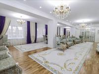 10-комнатный дом, 728 м², 7 сот.