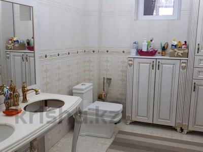 8-комнатный дом, 440 м², 10 сот., Ул.Опытная 21 за 120 млн 〒 в Таразе — фото 30