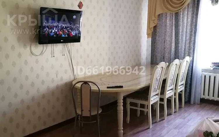 2-комнатная квартира, 56 м², 1/5 этаж помесячно, проспект Алии Молдагуловой 47 корпус 2 — Абулхаир хана за 80 000 〒 в Актобе, Новый город