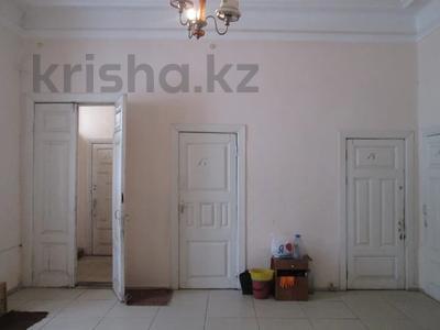 Здание, площадью 160.3 м², Вокзальная за ~ 20.2 млн 〒 в Уральске — фото 2