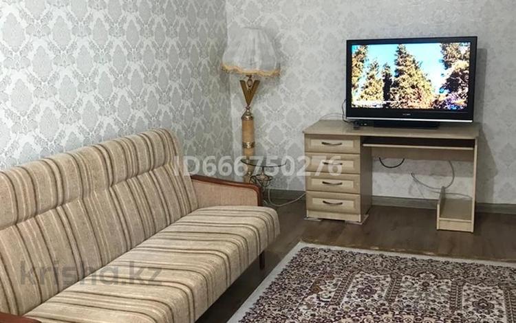 2-комнатная квартира, 60 м², 2/6 этаж посуточно, Бурова 24 за 8 000 〒 в Усть-Каменогорске