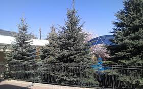 6-комнатный дом, 350 м², 7 сот., Дулати — Набережная за 110 млн 〒 в Алматы, Бостандыкский р-н