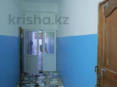 Здание, площадью 2803 м², проспект Абылай Хана 46 за 500 млн 〒 в Каскелене — фото 45