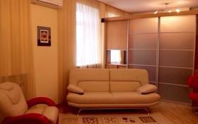 2-комнатная квартира, 60 м², 4/4 этаж помесячно, Мустафина 26 за 150 000 〒 в Караганде