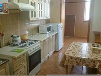 3-комнатная квартира, 80 м², 4/4 этаж помесячно