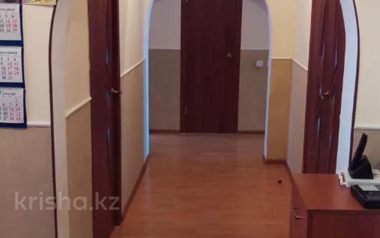4-комнатная квартира, 92 м², 3/5 этаж, Стройконтора 32 за 22 млн 〒 в Атырау