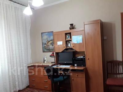 3-комнатная квартира, 72 м², 9/9 этаж, мкр Жетысу-2, Мкр. Жетысу-2 за 24.2 млн 〒 в Алматы, Ауэзовский р-н — фото 14