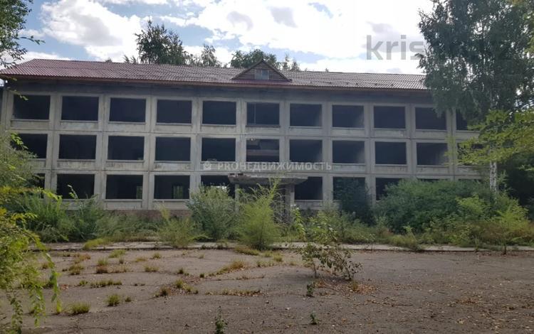 Здание, площадью 1500 м², Путевая 1/21 за 26 млн 〒 в Усть-Каменогорске
