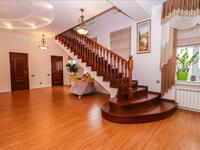 5-комнатный дом, 340 м², 7 сот.