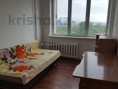 3-комнатная квартира, 80 м², 7/9 этаж помесячно, мкр Самал-1, Мкр Самал-1 2 за 150 000 〒 в Алматы, Медеуский р-н