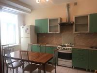 4-комнатная квартира, 200 м², 2 этаж помесячно