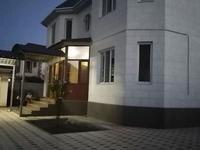 10-комнатный дом, 280 м², 9 сот., Сатыбалдиева 11 — Сулейманова за 107 млн 〒 в Таразе