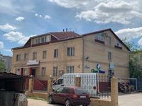 Здание, площадью 901.5 м²