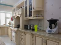 4-комнатная квартира, 190 м², 2/6 этаж помесячно, Кайыма Мухамедханова 7 за 400 000 〒 в Нур-Султане (Астане), Есильский р-н