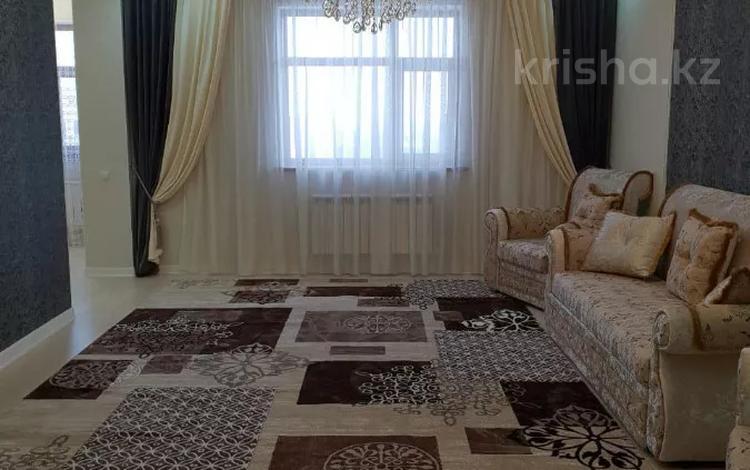 3-комнатная квартира, 144 м², 8/8 этаж, проспект Мангилик Ел 27 за 55 млн 〒 в Нур-Султане (Астана), Есиль р-н