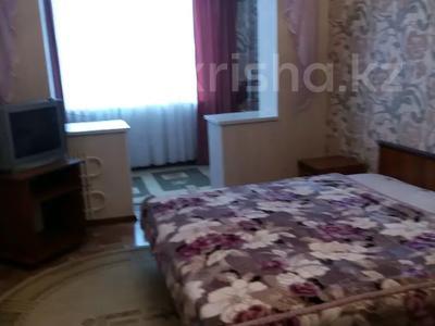 2-комнатная квартира, 65 м², 4/5 этаж посуточно, 26-й мкр 10 за 7 000 〒 в Актау, 26-й мкр