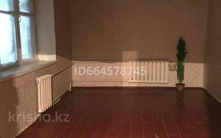2-комнатная квартира, 45 м², 4/4 этаж, Павлодарская за 4.8 млн 〒 в Уральске