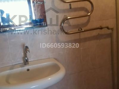 4-комнатный дом посуточно, 64 м², Лесная 1а 2 за 25 000 〒 в Бурабае — фото 12