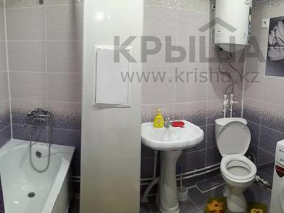 2-комнатная квартира, 45 м², 3/5 этаж посуточно, Строительная 38 — М. Ауэзова за 7 000 〒 в Экибастузе — фото 6