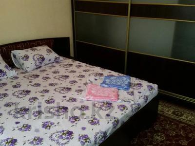 2-комнатная квартира, 60 м², 2 этаж посуточно, Желтоксан 3 за 7 500 〒 в Шымкенте — фото 3