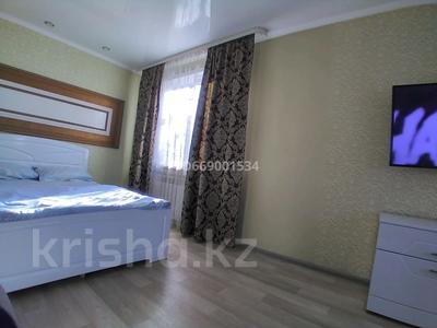 1-комнатная квартира, 33 м², 2/5 этаж посуточно, Гоголя 68 — Н.Абдирова за 8 000 〒 в Караганде, Казыбек би р-н