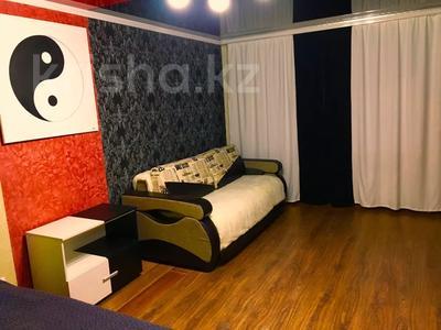 1-комнатная квартира, 33 м² посуточно, Бухар жырау 58а за 6 000 〒 в Караганде, Казыбек би р-н — фото 7