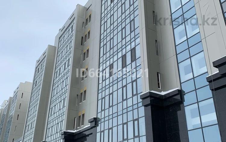 3-комнатная квартира, 170 м², 4/9 этаж, Сауран 19 — Улы дала за 72.9 млн 〒 в Нур-Султане (Астана), Есиль р-н