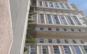 3-комнатная квартира, 136 м², 2/7 этаж, Темирбека Жургенова 18 за 55 млн 〒 в Нур-Султане (Астана), Алматы р-н