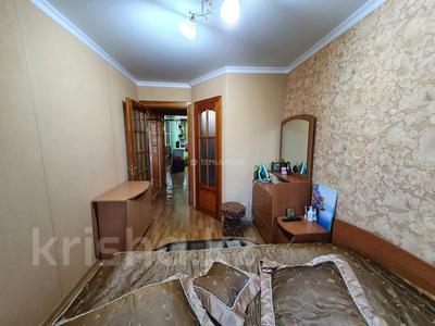3-комнатная квартира, 60 м², 4/5 этаж, Нуркен абдирова 50/2 за 14.8 млн 〒 в Караганде, Казыбек би р-н — фото 11