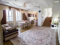 9-комнатный дом, 320 м², 10 сот.