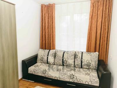 3-комнатная квартира, 70 м², 1/5 этаж посуточно, Ихсанова 73 — Достык за 11 000 〒 в Уральске — фото 5