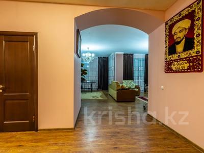 3-комнатная квартира, 170 м², 14/30 этаж помесячно, Аль-Фараби 7 за 600 000 〒 в Алматы — фото 5