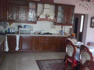 7-комнатный дом, 300 м², 17.6 сот., мкр Коктобе, Кыз-Жибек за 200 млн 〒 в Алматы, Медеуский р-н — фото 9