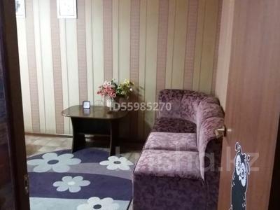 1-комнатная квартира, 30 м², 3/5 этаж посуточно, 12-й микрорайон, 12-й микрорайон за 10 000 〒 в Шымкенте, Енбекшинский р-н