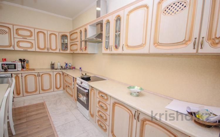 2-комнатная квартира, 78 м², 6/10 этаж, Навои 72 за 35 млн 〒 в Алматы, Бостандыкский р-н