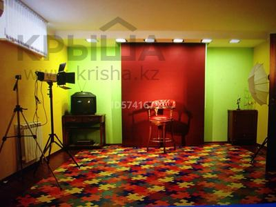8-комнатный дом, 550 м², 6.5 сот., Досмухамедулы 86 — Мкр Чубары, Халела Досмухамедулы за 170 млн 〒 в Нур-Султане (Астана), Есиль р-н — фото 16