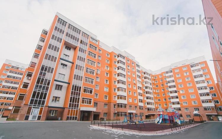 2-комнатная квартира, 63 м², 9/9 этаж, проспект Тауелсиздик за 27 млн 〒 в Нур-Султане (Астана), Алматы р-н