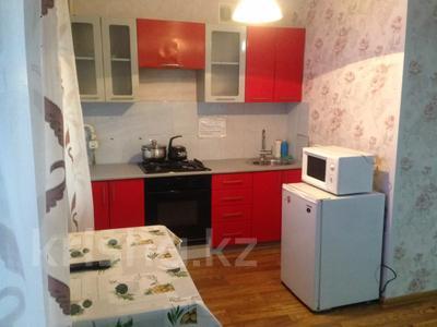 1-комнатная квартира, 32 м², 3/4 этаж по часам, Гоголя 78 — Байтурсынова за 1 000 〒 в Костанае — фото 2